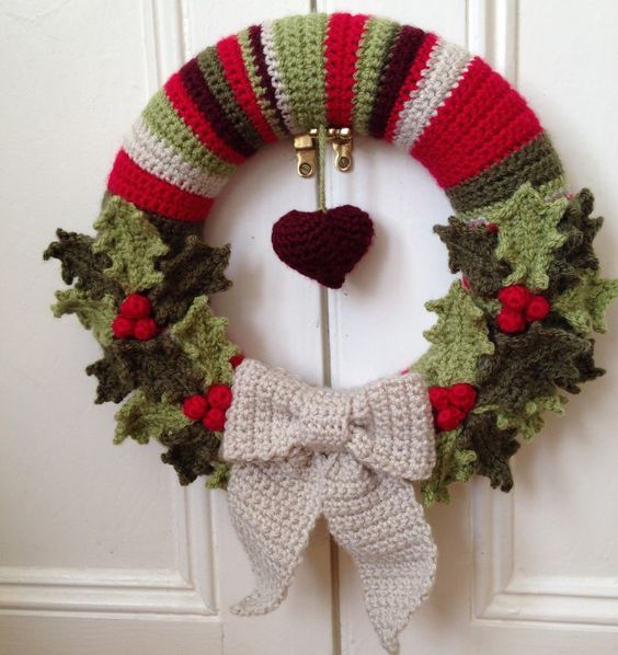 Crochet Holly Christmas Wreath Free Pattern