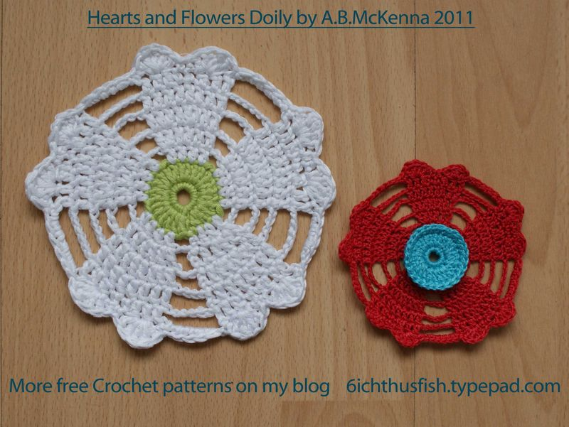 Free Crochet Pattern A Day : Lovely Crochet Heart Doilies Free Patterns Great for ...