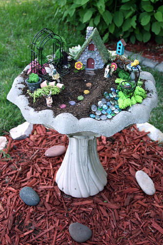 DIY Bird Bath Fairy Garden Tutorial