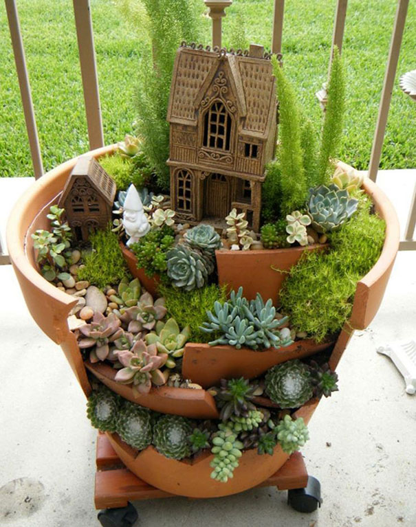 DIY Broken Clay Pot Fairy Garden