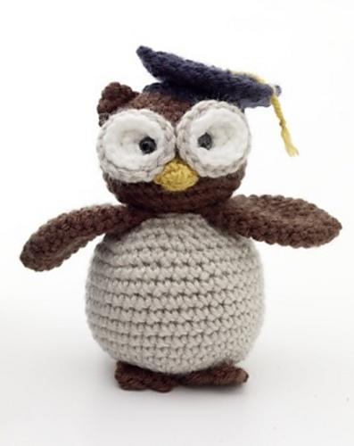 Crochet Amigurumi Feet Pattern : Adorable Crochet Amigurumi Graduation Owl Free Pattern