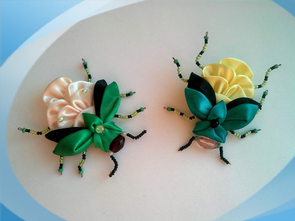 DIY Unique Kanzashi Beetle Made From Satin Ribbon