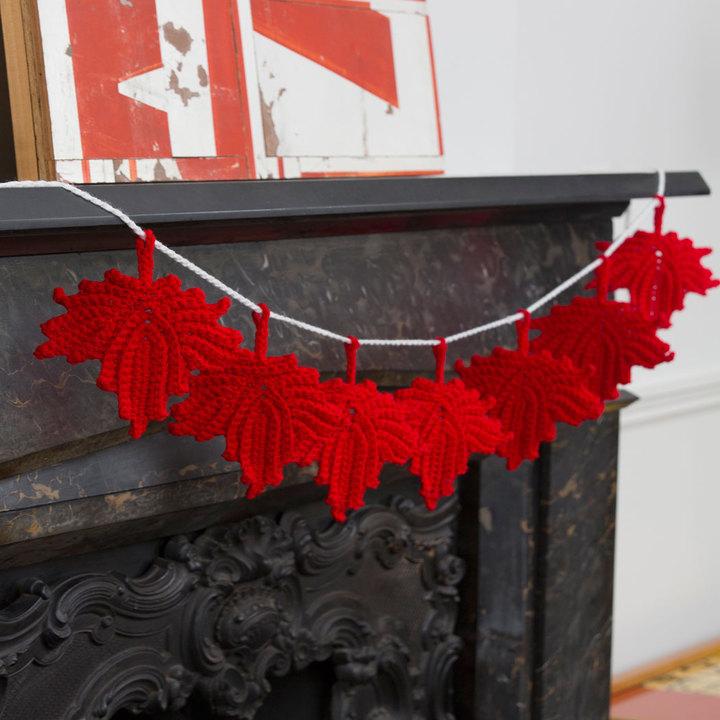 Free Maple Leaf Banner Crochet Pattern