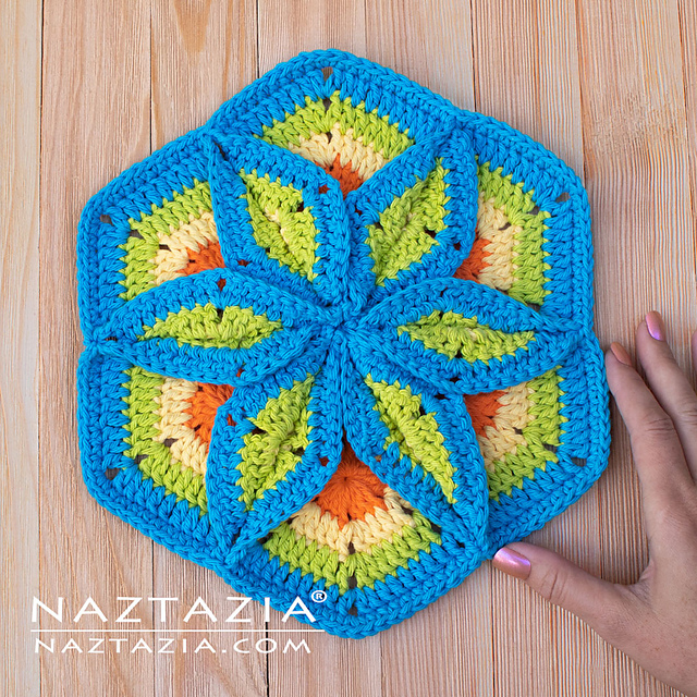 Flower Pad Free Crochet Pattern and Video Tutorial