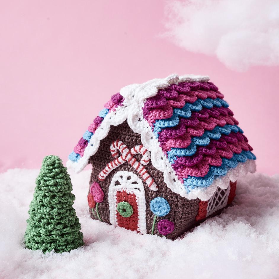 Gingerbread House Free Crochet Pattern