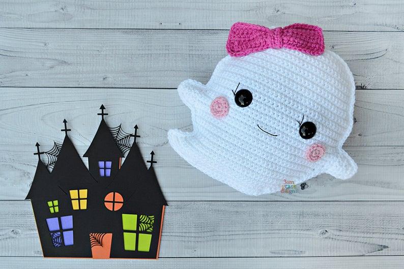 Ghost Kawaii Cuddler Free Crochet Pattern