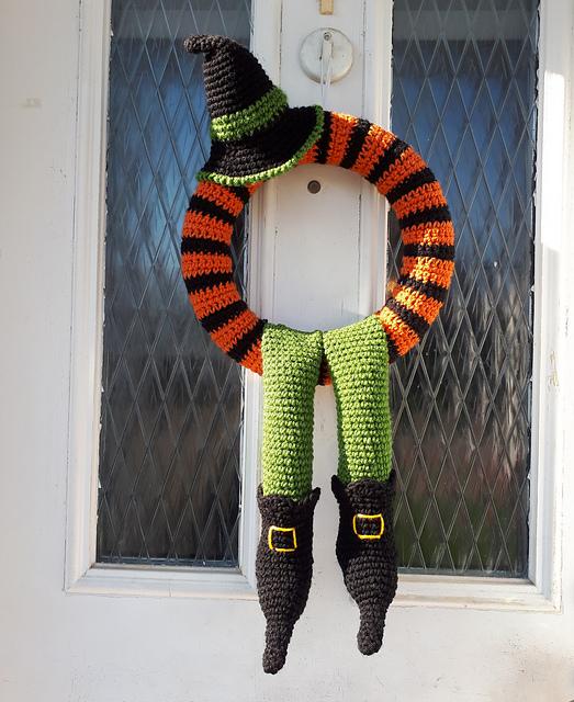 Winne Halloween Wreath Free Crochet Pattern